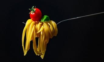 탄수화물 많이 먹는 여성은 지방 적게 먹어도 대사증후군 조심