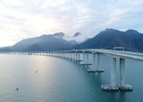 홍콩-주하이-마카오 잇는 강주아오 대교 개통...세계 최장 해상 다리 터널