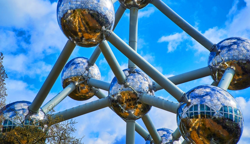 [벨기에] 유럽연합의 수도 브뤼셀 명소 ②아토미움...우주선을 떠올리게 하는 금속 원자 구조물