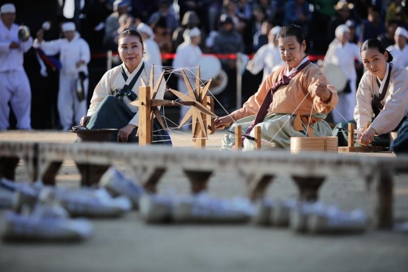 한국민속예술축제 개최…60주년 기념 역대 왕중왕전 및 다채로운 체험 풍성